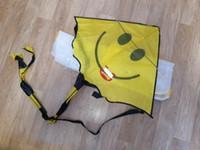 crianças pipas frete grátis venda por atacado-60 * 80 cm Rosto Sorridente Kite para Crianças Crianças com Lidar Com Esportes Ao Ar Livre Smiley Animação Voando Papagaios