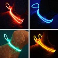 ingrosso collari di cani chiari-Alta qualità 1 pz LED multicolore Collare per animali domestici Collare regolabile per cani di sicurezza Notte Guinzaglio luminoso per cani luminosi
