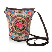 ethnisch gestickte handtaschen großhandel-2019 Vintage Boho Style ethnische bestickte Umhängetaschen kleine Reißverschlüsse tragbare nationale Handtaschen für Frauen
