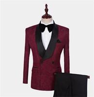ingrosso giacche formali nere per gli uomini-2020 Borgogna Abiti da uomo Slim Fit Due pezzi Beach Groomsmen Smoking da matrimonio per uomo Scialle nero Risvolto Abito da ballo formale (Giacca + Pantaloni)