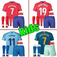 menino diego venda por atacado-2019 Atletico crianças kit GRIEZMANN Madrid casa camisa de Futebol KOKE Camisa de Futebol Personalizado SAUL DIEGO COSTA 18 19 atletico menino curto de futebol