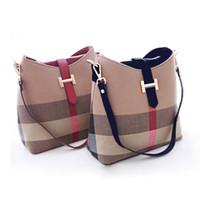 büyük tote çanta toptan satış-En Lüks Tasarımcı Çanta Çantalar Moda Tuval Omuz Çantaları Büyük Kapasiteli Kadınlar Crossbody Çanta Iki ton Messenger Bez Çanta