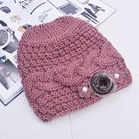 Nuovo inverno più velluto caldo suocera cappello in maglia signore di mezza  età vecchia signora fiori di lana cappello di lana donne Skullies Berretti bc94b9047f7a
