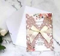 rubans pour invitations achat en gros de-Cartes d'invitation de mariage coupées au laser scintillantes avec des rubans beiges pour le mariage Douche nuptiale Fiançailles Graduation d'anniversaire