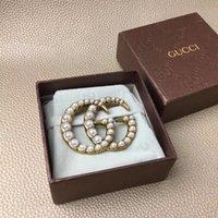 ingrosso spille in vendita-Hottest donne gioielli spilla di perle di design fascino signora dal design di lusso spille pin per il regalo del partito di vendita calda spille di design di lusso