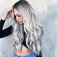 perücke weibliche lange haare großhandel-Bleichen Färben langes lockiges Haar Cosplay grau Gradienten Anime Perücke neue weibliche Faser Perücke Spitzeperücken