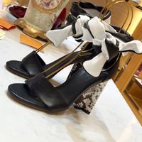 talones gruesos correa abierta dedo del pie al por mayor-Moda de alta calidad Open Toe Chunky High Heels Lady Sandalias de tiras de tobillo Zapatos de fiesta ocasionales Bombas Tallas grandes Zapatos Nuevo tacón 10 cm