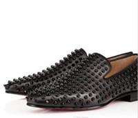 marca sapatos de festa homens venda por atacado-Moda de Luxo Designer de Marca Preta Glitter Spikes Cravejado de Fundo Vermelho Loafers Sapatos Men Flats Wedding Party Senhores Vestido Sapatos Oxford