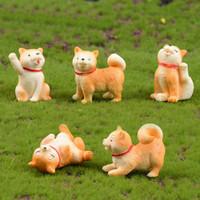 ingrosso animali da miniera giocattolo-Animali Micro-paesaggio Figures Decorazioni Piccolo cane giallo Miniature Akita Dog Toy Garden Bonsai Cactus Mobili succulenti