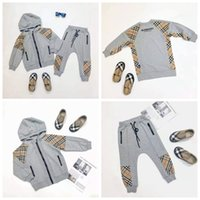 kleinkind mädchen hemd kleider großhandel-Kleinkind junge designer kleidung grau farbe mantel + hose kinder designer kleidung mädchen mode klassisches design baby mädchen kleid 100-150 cm