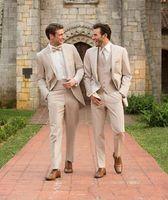 trajes de fiesta champán al por mayor-Champagne Groom Tuxedos Groomsman Suit Estilo italiano de tres piezas Trajes de fiesta de bodas para hombres Traje de novio a medida