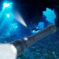 antorcha led amarilla al por mayor-XHP70.2 Linterna LED para buceo Submarino XHP70 Antorcha Linterna Lámpara impermeable Blanco Amarillo Luz 26650 Batería + Cargador