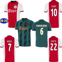 camisetas de fútbol para niños verde al por mayor-TAMAÑO S-2XL 2019 AJAX casa rojo camiseta de fútbol verde NERES para hombre 19 20 DE LIGT ZIYECH TADIC kit de fútbol camisetas de uniforme para niños 2020