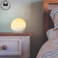 acordar rádio-relógio venda por atacado-Digital Sunrise Relógio Despertador Rádio LED Relógios de Mesa Decoração de Casa Acordar Mini Despertador Retro Com Modo Snooze Luz Colorida