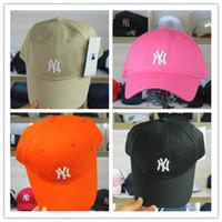 ingrosso logo dei berretti da baseball-NY Rosa Nero Bianco Berretti da baseball LA Snapbacks Cappello Uomo Spiaggia Berretto estivo Cappelli a fiori Logo ricamo