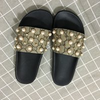 Wholesale fashion sandals cross for sale - Group buy New Arrival Mens and Womens Fashion Causal Designer Sandals with Pearl Effect and Gold Toned Studs Designer Flip Flops
