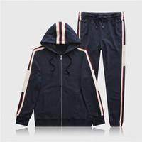 gri pantolon takımları toptan satış-M-3XL Tasarımcı Erkek Eşofman Harf Lüks Casual Suit Kapüşonlular + Pantolon İlkbahar Sonbahar Fermuar Setleri Spor 2019 Eşofman Siyah Gri Running