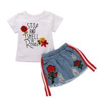 vêtements d'été achat en gros de-INS fille vêtements définit enfant chemise à fleurs lettre imprimée + short en jean 2PCS tenue bébé été cool