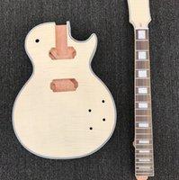 guitarra electrica bricolaje solido al por mayor-El kit de guitarra eléctrica sin terminar de bricolaje y el cabezal de cuerpo de caoba maciza son con tapa de arce flameado, sin partes de guitarra