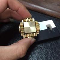 ingrosso cuori d'ottone-Nuova decompressione del collegamento degli ingranaggi Cubo di Rubik Spinner per dita malattie cardiache folli magici ingranaggi quadrati per ingranaggi quadrati in ottone puro all'ingrosso
