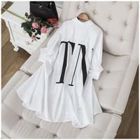 manga blanca más vestidos de talla al por mayor-2019 negro / blanco Batwing mangas largas mujeres S camisas de impresión de la letra blusas y camisas para mujer Yy-24 gasa tallas grandes vestidos de tamaño