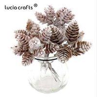 ingrosso artigianato decorativo di natale-Lucia artigianato 1Bunch / lotto Pigne Bouquet per decorazioni natalizie Corona fatta a mano Ghirlanda Floral Craft Piante artificiali 027034052