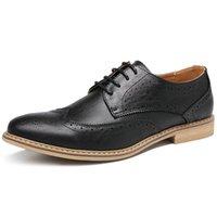 nuevo estilo de calzado plano al por mayor-Nueva Moda Vintage Estilo Británico Casual Hombres Zapatos Oxfords Hombre de negocios Pisos Calzado Transpirable Zapatos cómodos al aire libre