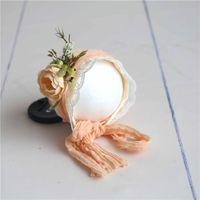 kaput pembe toptan satış-Çiçek Bonnet Yenidoğan Fotoğraf Dikmeler Bebek Kız Dantel Çiçek Bonnet Vintage Pembe Çiçek Şapka Fotoğraf Sahne