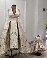 Wholesale mother daughter color wedding dresses for sale - Group buy 2019 African Luxurious Lace Beaded Mother Daughter Wedding Dresses Long Sleeves A line Bridal Dresses Sexy Vintage Wedding Gowns