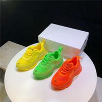 Wholesale orange kids canvas shoes resale online - Designer Kids Shoes Boys Girls Mesh Sneakers Fluorescence Sports Sneakers Trendy Kids School Footwear Yellow Orange Green Shoes