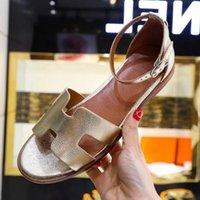 chanclas de cuero al por mayor-Diseño de marca Mujeres frescas Zapatillas de cuero de vaca Summer OutdoorL Sandalias de playa de tacón bajo moda sandalias casuales Mocasines Zapatillas, 35-42