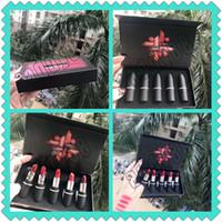 ingrosso campioni di rossetto-M Marca Rossetto Set Matte Lipstick 5 Pz / set Bullet Rossetto Campione 5 colori di alta qualità Spedizione gratuita