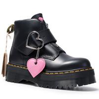 talons noirs coeur achat en gros de-Femmes Noir Martens Bottes en cuir véritable Bottes coeur aimant pour les femmes Bottes cheville Punk moto Chaussures Gros talon plateforme Chaussures d'hiver