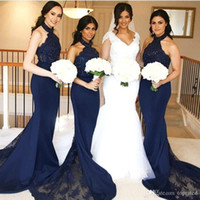 vestidos de novia oscuros azul marino al por mayor-Vestidos de dama de honor azul marino oscuro sexy Cuello halter de sirena con encaje Vestidos de dama de honor Sin mangas Vestidos de invitados de boda formales largos personalizados