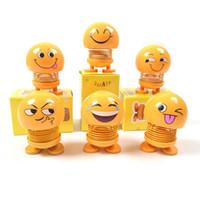 игрушки для мальчиков оптовых-Cute Car Shaking Head Toys Авто Интерьер Украшения Аксессуары Emoji Шейкер Авто Декоры Весна Встряхивая Голову Куклы Украшения Игрушки HHA62