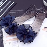 große fischsandalen großhandel-Fisch Mund Sandalen Bogen Große Blume Kristall Transparente Flache Schuhe Mode Neue Damen Jelly Fish Mund Sandalen