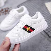 sapata de lona branca das meninas 12 venda por atacado-Sapatas das meninas 2019 Outono nova versão coreana das crianças das sapatas de lona brancas da mola meninas e sapatos de grife de outono