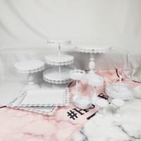 décorations de petit gâteau rose achat en gros de-Vente en gros blanc et rose fer à gâteau en métal Stand Set de mariage Cupcake plateau plaque anniversaire fête gâteau décoration outil Bakeware Vaisselle