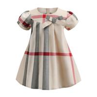 vestido de lã de algodão de algodão de verão venda por atacado-2019 NOVO Muito popular meninas vestido de manga curta padrão xadrez designer de verão estilo coreano avental crianças roupas vestido A93746