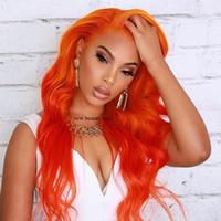 ünlü dantel ön peruk toptan satış-kadınlar için yeni ünlü stil Portakal Rengi Saç Peruk Moda Doğal Uzun Dalga Brezilyalı saç Peruk Isıya Dayanıklı Sentetik Dantel Açık Peruk