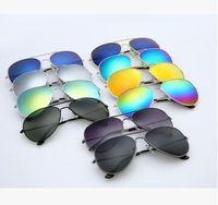 marcos de gafas de color de los hombres al por mayor-Fábrica al por mayor Última Moda Estilo Clásico Marco de Metal Espejo de color hombres y mujeres Gafas de Sol Accesorios de Moda Gafas 30 Pares