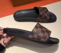 erkekler düz ayakkabılar toptan satış-19SS sıcak BOY kadın erkek VL Tasarım Ayakkabı Slayt Yaz Moda Geniş Düz Sandalet Terlik Yeni İngiliz marka yaz erkekler terlik