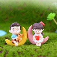ingrosso torte di ragazzi-Miniature Coppia Figurine Coppia Bambole Ornamenti di paesaggio Mini resina Fata Garden Bonsai casa delle bambole Decorazioni torta Ragazzi e ragazze
