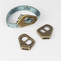 lettres à dos plat achat en gros de-5 pcs Antique Bronze Boucle Fermoir Bracelet Conclusions Pour 5mm-10mm Cordon En Cuir Cordon Bijoux Résultats