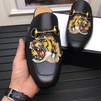 düz kedi ayakkabısı toptan satış-Baskılı Kaplan ve Kedi Düz terlik Erkekler moda ayakkabı gerçek Deri Sandalet Kadın Çivili Strappy logo kutusu ile erkekler için slaytlar 38-46