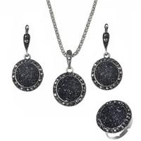 ingrosso collana di resina nera-Resina Collane Orecchini Set di anelli 3PCS per le donne Retro Bohemian Round Gravel Vintage Sposa Wedding Black Natural Stone Jewelry Accessories