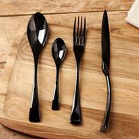 cuchillos negros de alta calidad al por mayor-Juegos de vajilla Nuevos Juegos de vajilla Black Rose Juego de alta calidad de acero inoxidable Cuchillo de cena y tenedor Sopa de café Cuchara de cucharadita Cubiertos