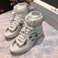 ingrosso scatola superiore trasparente-Moda sneakers di design di lusso 2019 Best Quality Bianco nero di marca Logos Lace Up scarpe da ginnastica alte trasparenti Top sneakers con scatola