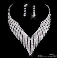 ingrosso anelli di nozze shinning-2019 vendita calda lelegant in magazzino Shinning strass festa nuziale orecchini bracciale collana anello gioiello set per le donne da sera sera nave libera