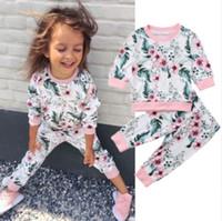 traje deportivo flor al por mayor-Trajes de diseñador de flores para niñas al por menor 2pcs conjuntos de trajes de algodón deportivos Conjuntos de ropa Conjuntos de chándal de diseñador para niños pequeños Ropa de boutique